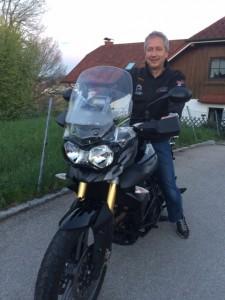 Hummer Helmut